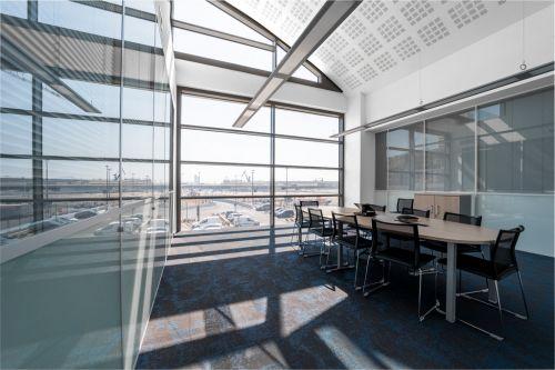 Photo d'architecture intérieure en entreprise