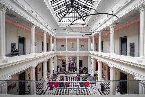 Hall d'entrée d'un hôtel haut de gamme