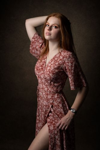 Portrait créatif et sensuel d'une jeune femme